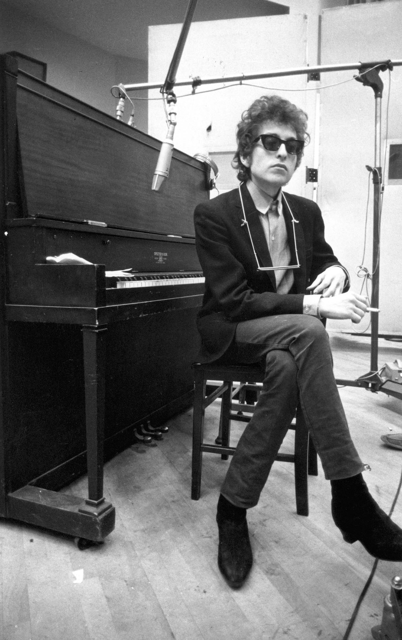 Bob-Dylan-piano