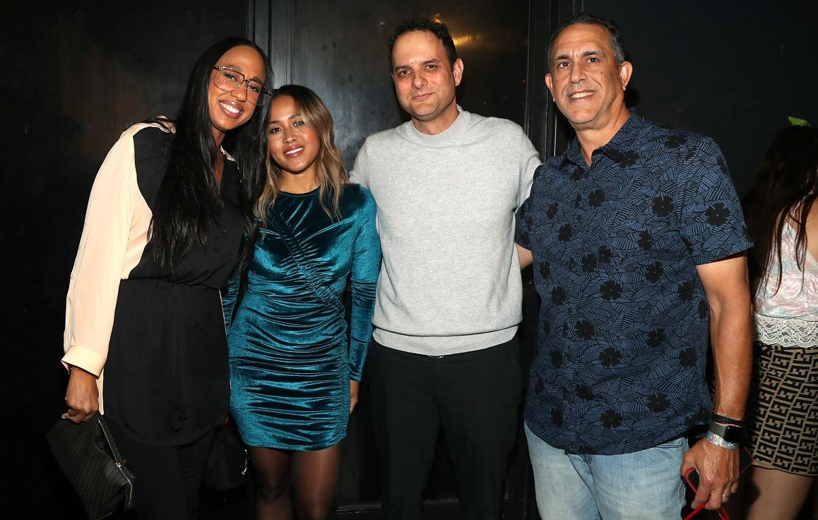 Wyskoarko, Angela Rogers, Janick, Khan