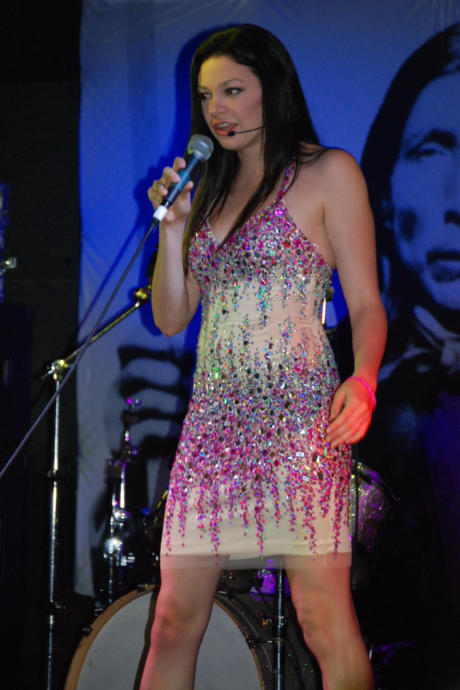 Meredith sings