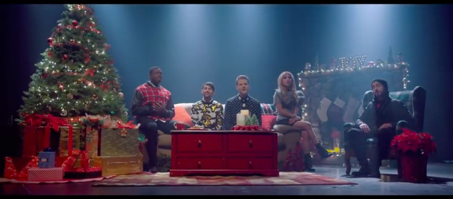 Video - [OFFICIAL VIDEO] - Away In A Manger - Pentatonix